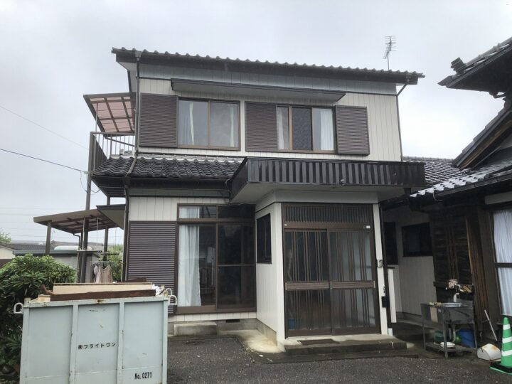 栃木県足利市 K様邸 外壁塗装、軒天張替え、樋交換、破風板板金、一部外壁張り、波板交換等